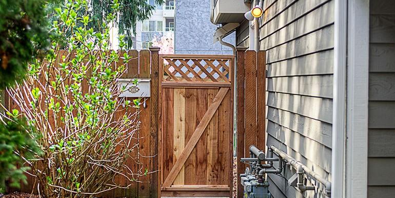 1757_nw_58th_st_1-condo-gate