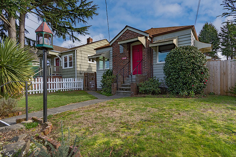SOLD!    7348 27th Ave NW
