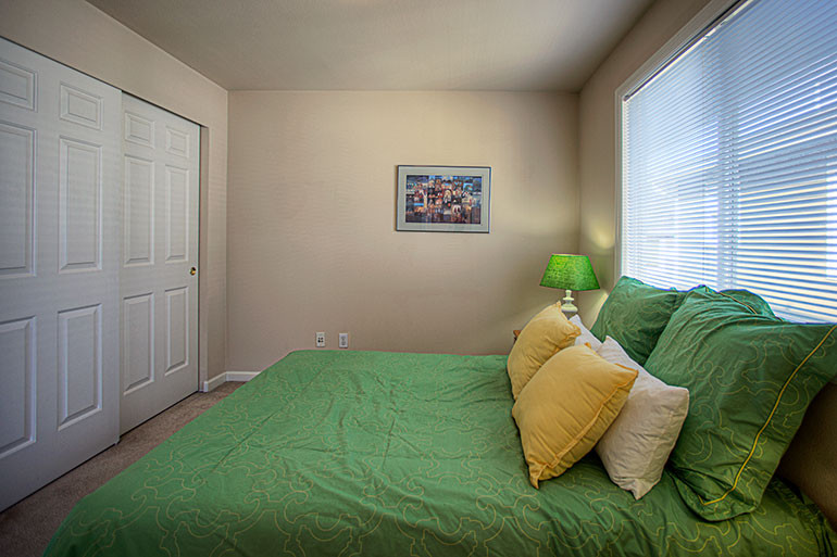 1757_nw_58th_st_10-bedrm-green1