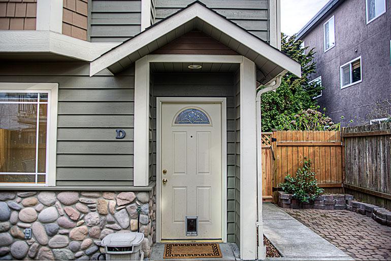 1757_nw_58th_st_2-condo-frontdoor