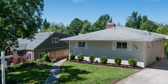 SOLD! 828 NE 104th St, Seattle 98125