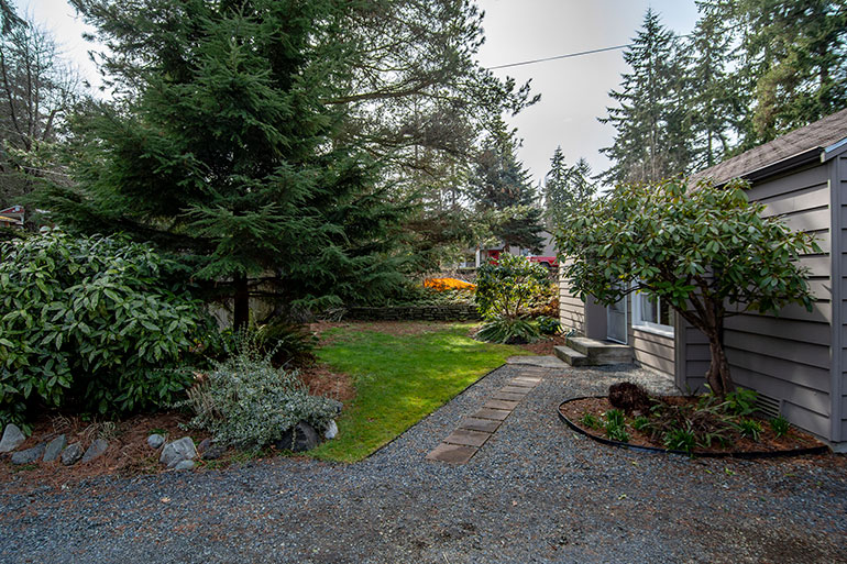 SOLD! – 18323 10TH Ave NE
